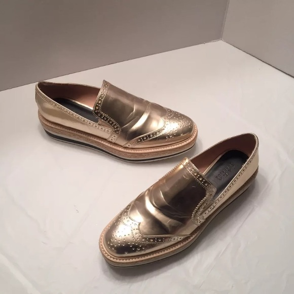 ed742156139 ZARA Trafaluc Gold Platform Loafers 40 Shoes US 9.  M 5a4be9053a112ead570979c8